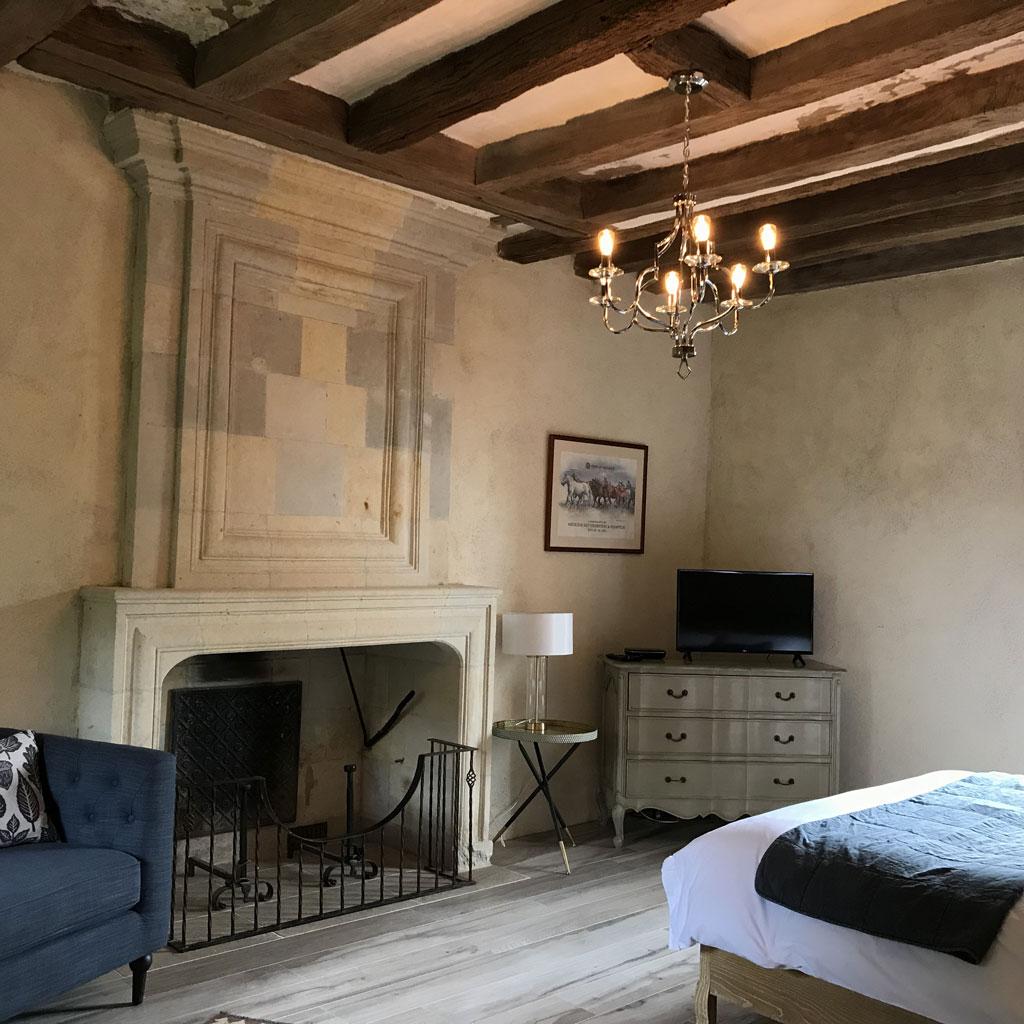 overnight accommodation near Angers