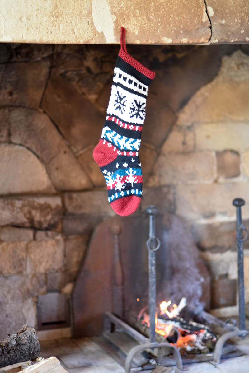 stocking over fire Manoir Jouralem